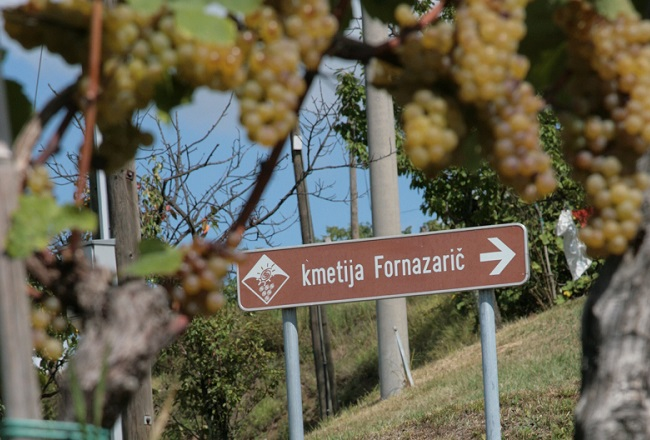 kažipot Kmetija Fornazarič